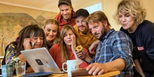 TEST:  Kven  er  du  i  Teaterfestivalen  i  Fjaler